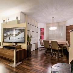 Gemütlicher und moderner Wohnbereich:  Esszimmer von Horst Steiner Innenarchitektur