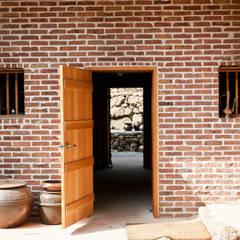 Portes de style  par 건축사사무소 아키포럼
