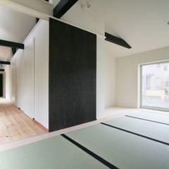 minimalistic Media room by 石川淳建築設計事務所