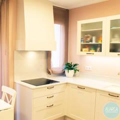 Cocinas equipadas de estilo  por ALARCA. Interiorismo&Hogar