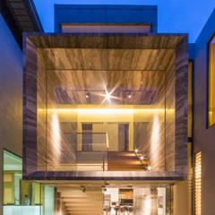 de MJ Kanny Architect Moderno