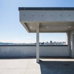 울산 북구 진장동 (진장명촌지구) HPI사옥 신축공사: 피앤이(P&E)건축사사무소의  지붕