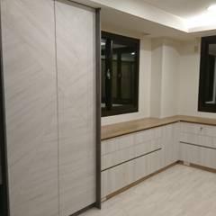 غرفة الملابس تنفيذ 窩居 室內設計裝修