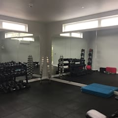 Internal Gym Room: modern Gym by Building With Frames