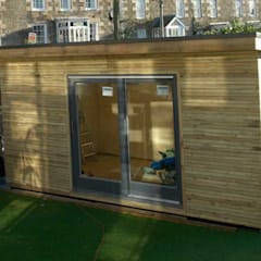 Garden Studio: modern Gym by Building With Frames