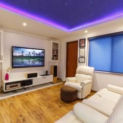 3 BHK Apartment - Fairmont Towers, Bengaluru:  Media room by KRIYA LIVING