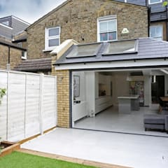 House extension for London terraced house in Fulham and Chelsea:  Terrace house by DM Architecture