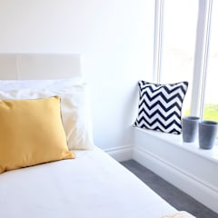 Guest bedroom :  Bedroom by THE FRESH INTERIOR COMPANY