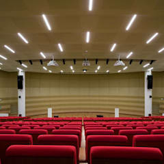 KRION también en el interior de Crédit Agricole Poitou-Charentes (Lagord, Francia): Salones de eventos de estilo  de KRION® Porcelanosa Solid Surface