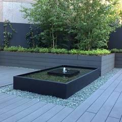 Diseño de exteriores en oficinas - Fuentes: Estanques de jardín de estilo  de La Habitación Verde