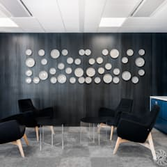 nowoczesne biuro, strefa jadalni, canteen: styl , w kategorii Przestrzenie biurowe i magazynowe zaprojektowany przez SARNA ARCHITECTS   Interior Design Studio