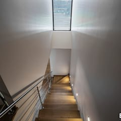 Casa Monteiro: Escadas  por Esquissos 3G,Moderno