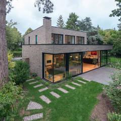 :  Villas by JADE architecten, Modern