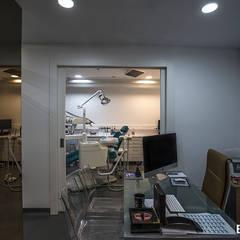 Clínica Dentária PCMFG Clínicas modernas por Esquissos 3G Moderno