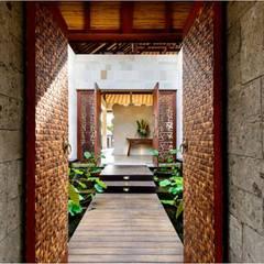 Pasillos y vestíbulos de estilo  por HG Architect, Asiático