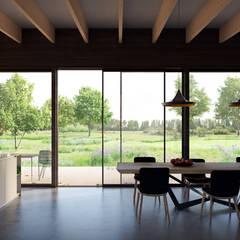 uitzicht tuinkamer: landelijke Eetkamer door STAAG architecten
