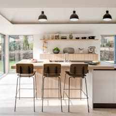Arts & Crafts House:  Kitchen by design storey
