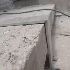 CASA CINCA-SALCEDO: Escaleras de estilo  por M.i. arquitectura & construcción