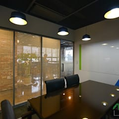 부산 카페같은 사무실인테리어 - 노마드디자인: 노마드디자인 / Nomad design의  바닥