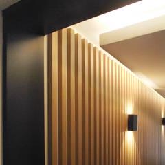 Rénovation de bureaux - Rueil Malmaison: Bureaux de style  par Elisabeth Leviandier