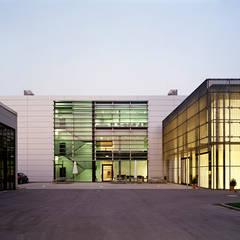 HUGO HUGO BOSS - Headquarter -  Metzingen:  Geschäftsräume & Stores von Plan2Plus design - Architektur I Innenarchitektur I Design