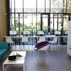 Salon numérique: Lieux d'événements de style  par Atelier du lieu