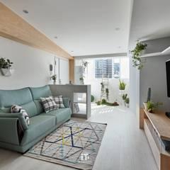 Living room by iT DESIGN 一它設計