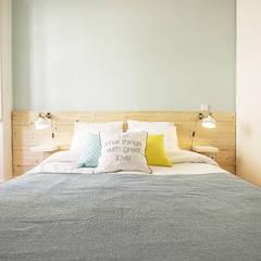 Apartamento da Glória: Quartos  por Homestories,Escandinavo