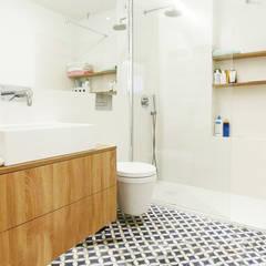 ห้องน้ำ โดย Homestories, สแกนดิเนเวียน