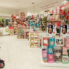 Eurekakids Plaza Rio Madrid: Oficinas y Tiendas de estilo  de Alma Retail Services