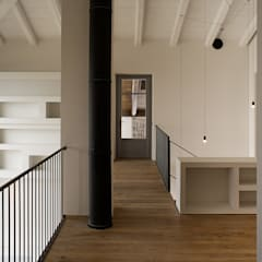 Ornati 21: Studio in stile  di Carlo Brocardo Architetto