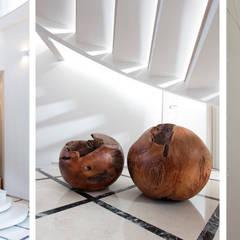 Light House: Лестницы в . Автор – OM architecture,