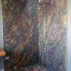 Modern bathroom by GRUPO VOLTA Modern Granite