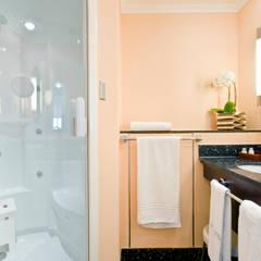 Luxe Cleopatra douche in badkamer: moderne Spa door Cleopatra BV