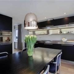 Dutch Dykehouse:  Keuken door Dineke Dijk Architecten