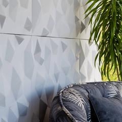 Piscinas de estilo  por Metrik Design - Arquitetura e Interiores , Industrial