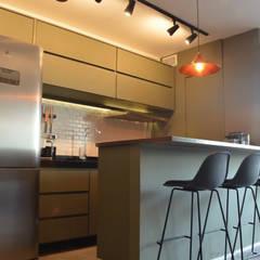 Apartamento CFAL por Panapaná • Estúdio de Projetos Industrial