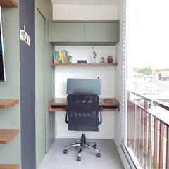 Apartamento CFAL: Escritórios  por Panapaná • Estúdio de Projetos