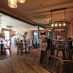 HUUB CAFE:  Commercial Spaces by NO4 DESIGN STUDIO