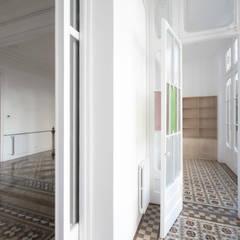 Rehabilitación de Vivienda: Suelos de estilo  de Sezam disseny d'Interiors SL