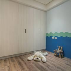 溯光質樸:  嬰兒房/兒童房 by 知域設計