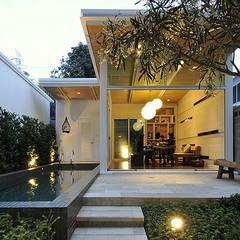 Casas prefabricadas de estilo  por 大桓設計顧問有限公司