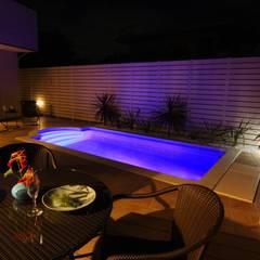 プールのあるリゾート空間住宅: PROSPERDESIGN ARCHITECT OFFICE/プロスパーデザインが手掛けた家庭用プールです。