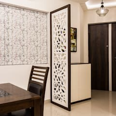 Kandivili Residence: Living Room By Rennovate Home Solutions Pvt Ltd