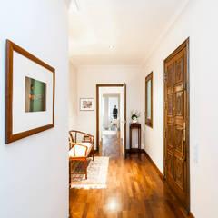 Reforma Pasillo en Vivienda: Pasillos y vestíbulos de estilo  de Sezam disseny d'Interiors SL