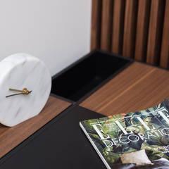 Służbowy apartament w Jarosławiu: styl , w kategorii Salon zaprojektowany przez Viva Design - projektowanie wnętrz