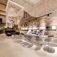 A space - temporärer Showroom in Berlin:  Geschäftsräume & Stores von plajer & franz studio