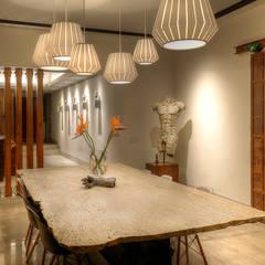 CASA SG.: Comedores de estilo  por Stuen Arquitectos, Moderno Piedra