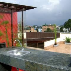 EDIFICIO JS25: Terrazas de estilo  por RIVAL Arquitectos  S.A.S.