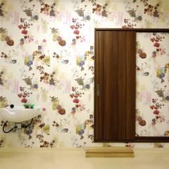 1F洋室: 株式会社青空設計が手掛けた書斎です。